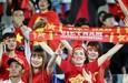 Quên chuyện ở Bukit Jalil đi, phô diễn tinh thần Việt Nam với CĐV Malaysia
