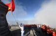 Những hình ảnh đẹp và xúc động về lễ thượng cờ trên đỉnh Fansipan