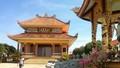 Đàn rắn nghe kinh rơi lộp bộp trong ngôi chùa hơn 200 tuổi