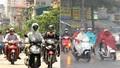 Hà Nội nắng nóng kéo dài, TP HCM đề phòng mưa to và dông