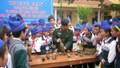 Dạy trẻ em cách tránh bom, mìn: Càng cụ thể càng bớt tò mò