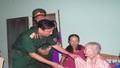 Bộ tư lệnh Quân khu 4 thăm, tặng quà các gia đình chính sách, bà mẹ Việt Nam anh hùng