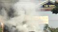 Tây Ninh: Xe bồn chở gas bị thiêu rụi sau hỏa hoạn trên đường