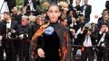 Không giống Ngọc Trinh, trang phục Trương Thị May bừng sáng trên thảm đỏ Cannes