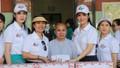 Hoa hậu Đền Hùng tặng quà cho trẻ khuyết tật, mồ côi ở Huế