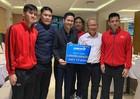 Asanzo trao liền tay 1 tỷ đồng thưởng nóng cho tuyển Việt Nam