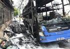 Cháy xe khách ở TP HCM, nhiều người hốt hoảng tháo chạy