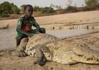 Đến nơi cá sấu sống chung với người, được làm đám tang khi chết