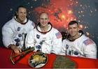 Kỳ tích về từ trời xanh của 3 người hùng tàu vũ trụ Apollo 13