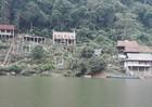 Nhà ở, nhà nghỉ trái phép đang phá vỡ cảnh quan hồ Ba Bể