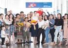 Hoa hậu Trần Tiểu Vy rạng ngời ngày về quê hương sau đăng quang