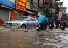 Vì sao vẫn tồn tại nhiều 'điểm đen' trong mùa mưa tại Hà Nội?