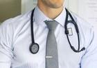 Hợp đồng 100% chữa hết bệnh khiến bác sĩ phì cười