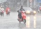 Chấm dứt đợt nóng lịch sử, Hà Nội đề phòng mưa to gió giật mạnh