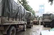 Bắt giữ 11 xe ô tô tải chở 60 tấn hàng hóa nhập lậu