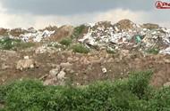 'Núi' đất thải tiềm ẩn nguy cơ sạt lở giữa lòng thủ đô
