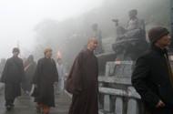 Ngắm bóng cà sa trên nóc nhà Đông Dương mùa Phật Đản 2018
