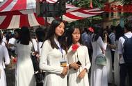 Nữ sinh THPT Việt Đức thướt tha áo dài đón năm học mới
