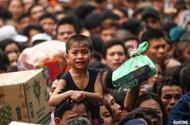 Clip: Hàng vạn người chen chúc dự lễ giỗ tổ Hùng Vương