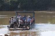 Phà chở trái phép từng chìm ở Đồng Nai vẫn ngang nhiên hoạt động