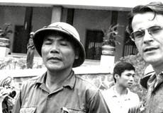 Nhà báo ngoại quốc chứng kiến giờ phút Dương Văn Minh đọc lời đầu hàng