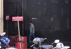Hỏa hoạn do sang chiết xăng dầu, 2 người nhập viện vì bỏng nặng