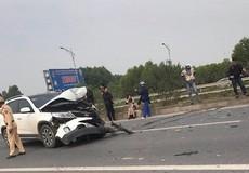 Ford Ranger lật ngửa trên cao tốc Hà Nội - Bắc Giang sau vụ TNGT
