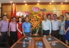 Lãnh đạo Bộ Tư pháp chúc mừng Báo Pháp luật Việt Nam