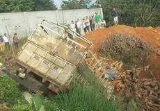Bình Phước: Xe tải đâm xe ba gác, 2 người tử vong tại chỗ