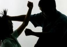 Bất thường quanh vụ vợ 'tự thú' bắn chồng ở Hà Nội
