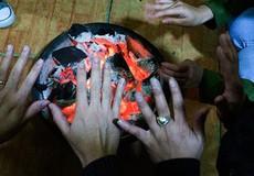 Ngộ độc khí than, 4 người trong một gia đình thương vong