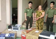 Mẹ kéo con trai dị tật vào đường dây làm giả giấy tờ, tài liệu