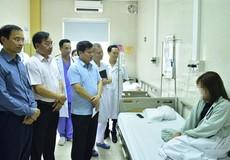 Phó Chủ tịch UBND Tp Hà Nội thăm bệnh nhân lễ hội âm nhạc Hồ Tây thì có gì sai?