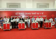 Quỹ Toyota Việt Nam tặng xe đẩy cấp cứu cho các bệnh viện tại tỉnh Lai Châu