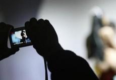 Thanh niên 18 tuổi dùng 'clip nóng' tống tiền người đàn ông đồng tính