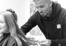David Beckham khoe ảnh tự cắt tóc cho con gái