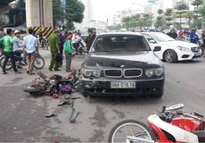 Chị gái lái BMW đâm loạn xạ trên đường Hà Nội