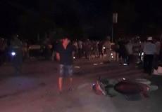 Cứu nam thanh niên gặp tai nạn, người phụ nữ bị xe tải đâm tử vong