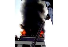 Cháy lớn khách sạn ở trung tâm TP HCM, du khách hốt hoảng