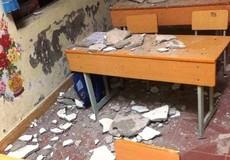 Rơi vữa trần lớp, 3  học sinh lớp 1 phải cấp cứu