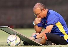 Vì sao Việt Nam khó bị bắt bài hơn, nhiều cơ hội vô địch hơn Malaysia?