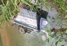 Ô tô lao xuống suối, tài xế tử vong