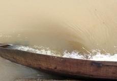 Lật thuyền trên sông Đà khiến 3 người bị mất tích