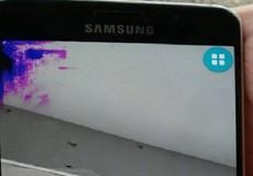 """Samsung lại khiến khách hàng bức xúc vì """"vô trách nhiệm"""""""