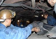 Tụt đổ lò ở Quảng Ninh, hai công nhân than Mông Dương thương vong