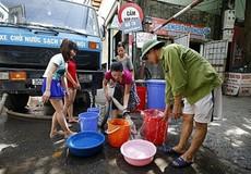 Hà Nội: Nhiều hộ dân mất điện, thiếu nước sạch sau mưa ngập