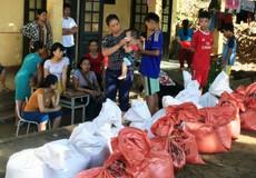 Bộ đội Biên phòng vượt khó chở gạo cứu đói người dân
