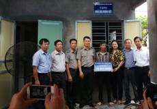 Cục Thi hành án dân sự Hải Dương trao tặng Nhà Đại đoàn kết