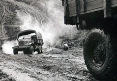 Con đường huyền thoại (Bài 2) Lính công binh thông minh tay không hóa giải bom mìn Mỹ