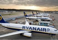 Lợi - hại mô hình hàng không giá rẻ